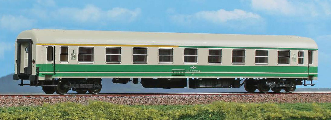 Passenger car 1st/2nd class type Y