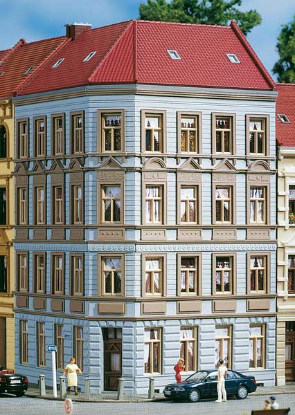 4 story corner building &quot;Schmidtschtrasse #11&quot;<br /><a href='images/pictures/Auhagen/11391.jpg' target='_blank'>Full size image</a>