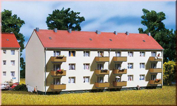 Apartment building<br /><a href='images/pictures/Auhagen/13332.jpg' target='_blank'>Full size image</a>