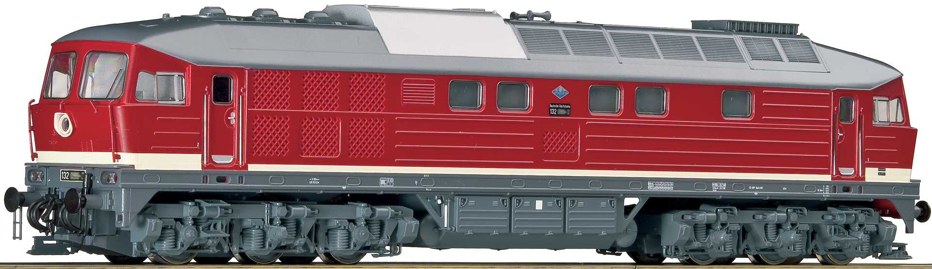 фотообоев- фото жд локомотива на белом фоне приглядеться фото