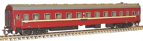 Long distance Passenger sleeping car (red)<br /><a href='images/pictures/TT_Model/2020.jpg' target='_blank'>Full size image</a>